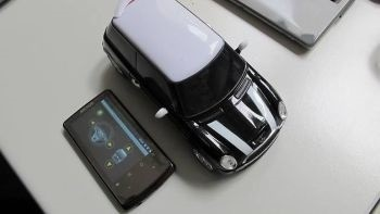 BeeWi Bluetooth RC car Mini Cooper S