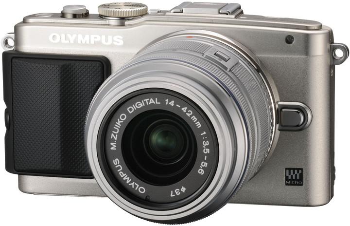Olympus E-PL6 + 14-42 mm II R, stříbrná